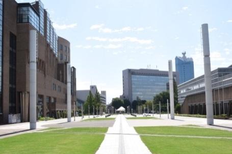 駅北地区多目的広場景観形成施設光の塔設置
